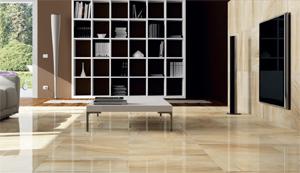 Obývací prostor s dlažbou na podlahovém topení