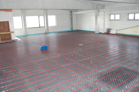 Podlahové topení v Hale Guvex Lanškroun