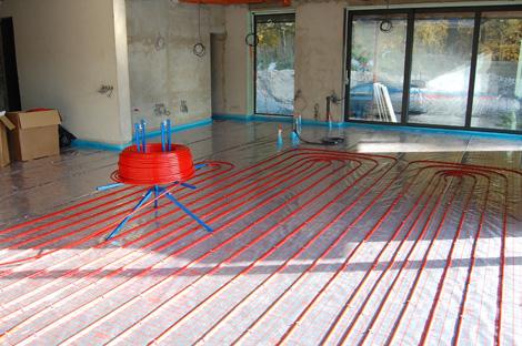 Pokládka podlahového topení RD Zminný